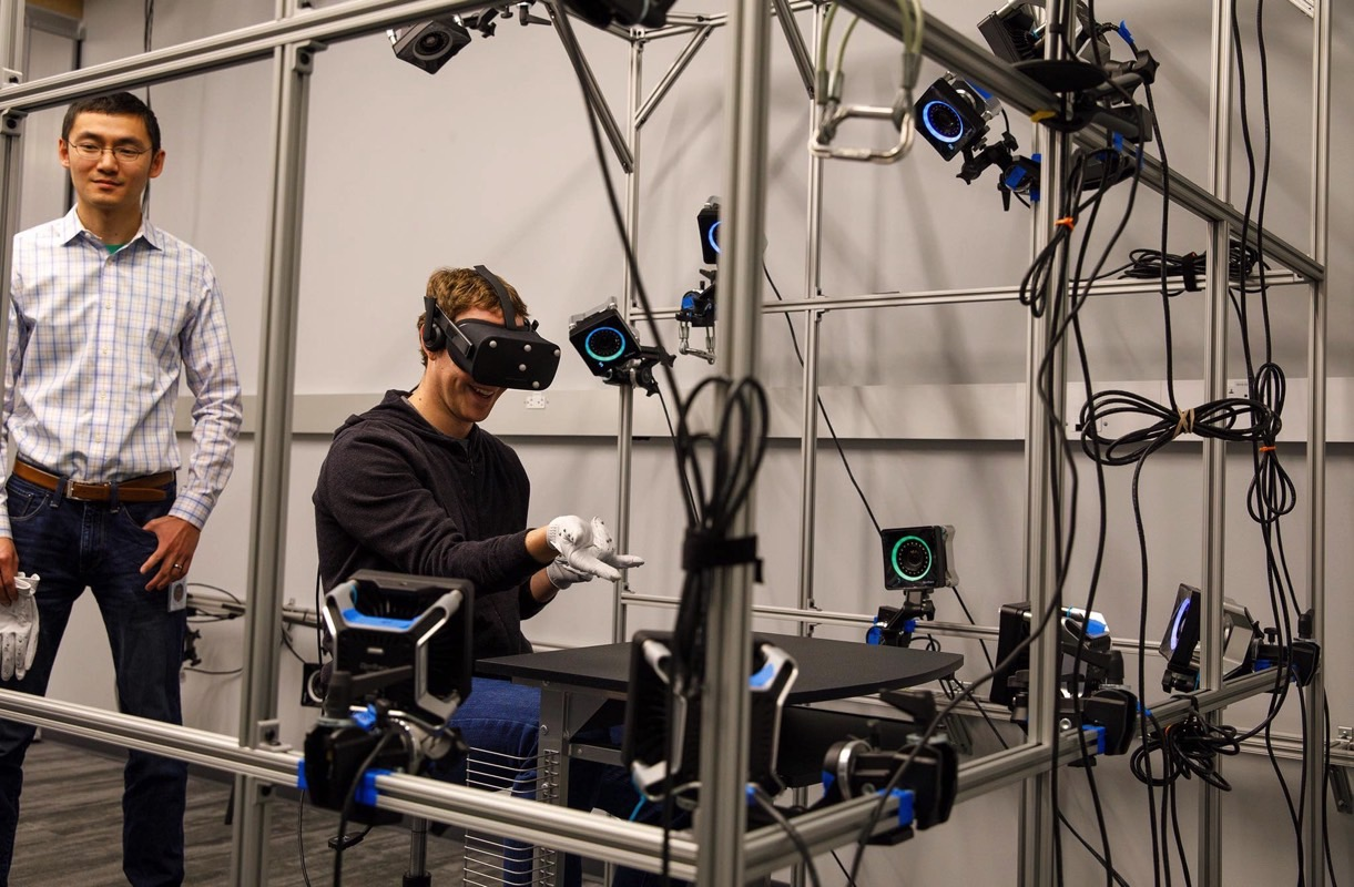 Mark Zuckerberg Oculus VR Gloves
