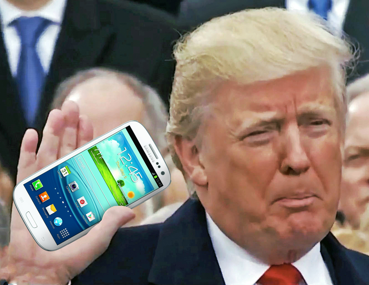 Donald Trump is still using his old phone, but not like ...