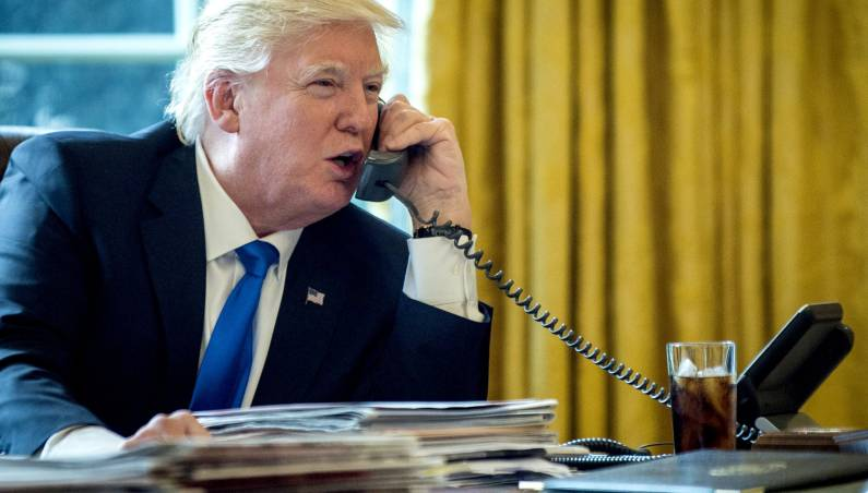 Donald Trump's iPhone Apps Twitter