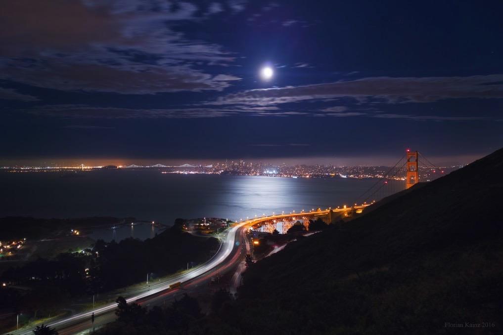 Google Pixel vs. DSLR Nighttime Photos