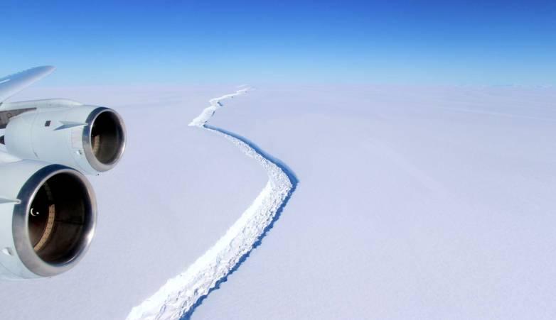 ice shelf breaking off