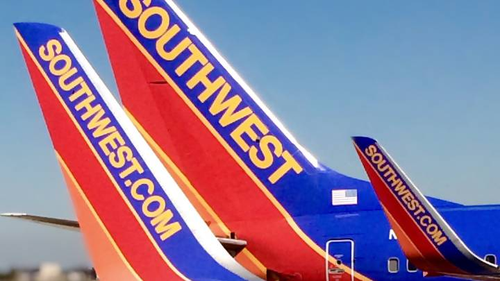 Southwest accident with window, emergency landing