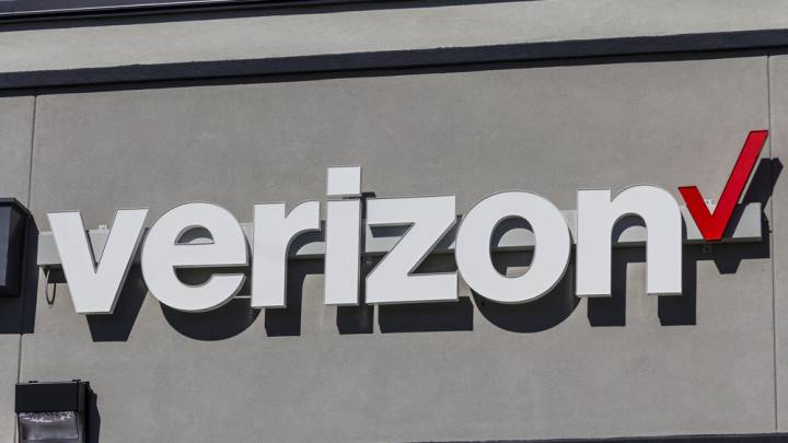 Net neutrality protests, Verizon stores, and the FCC