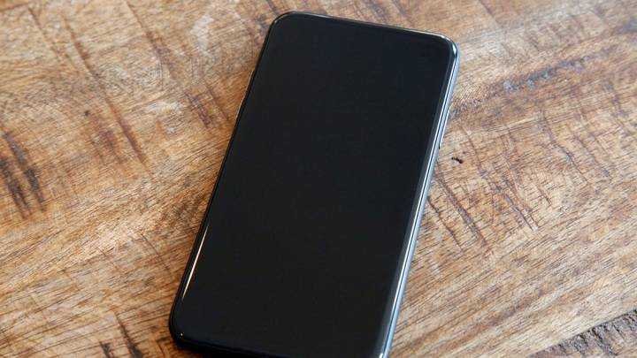 iPhone 8 Pro Retail Box