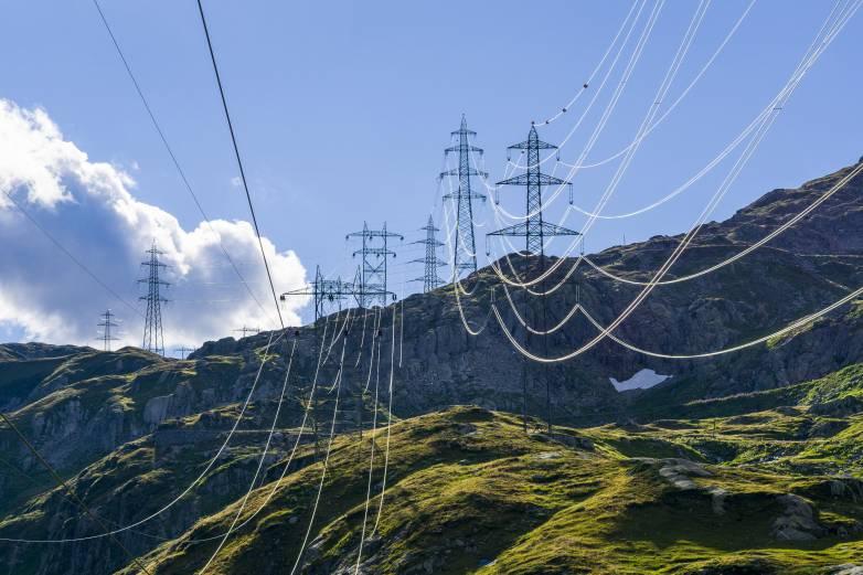 Russian hackers hit US power grid
