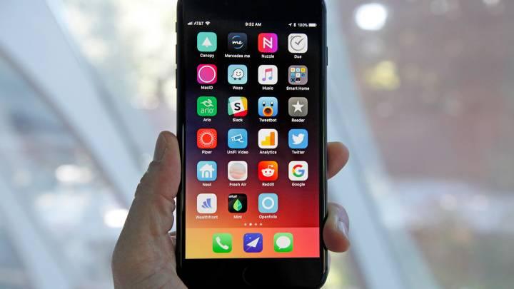 iPhone 8 Plus Commercial