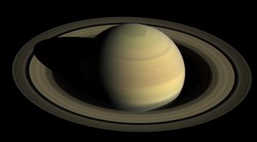 saturn rings disappearing