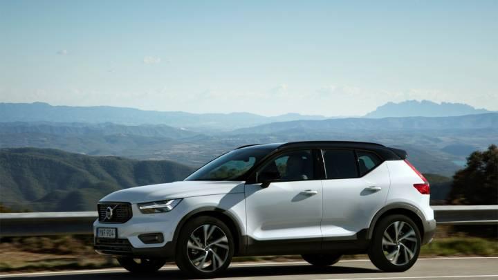 Volvo XC40 lease program costs benefit
