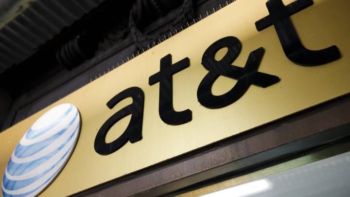 AT&T thirsty for Trump's tax cuts