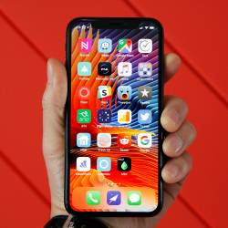 iPhone X vs. Galaxy Note 8
