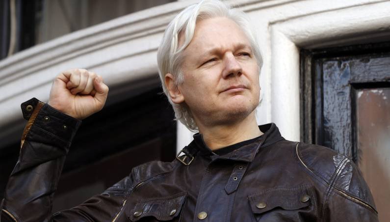 Julian Assange Twitter account suspended