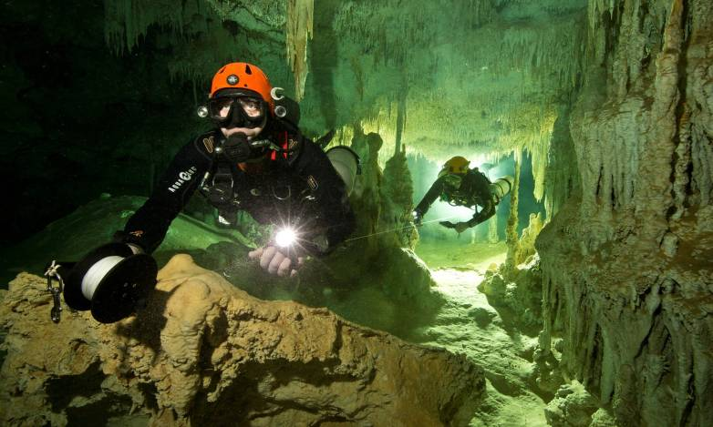 Biggest underwater cave discovered
