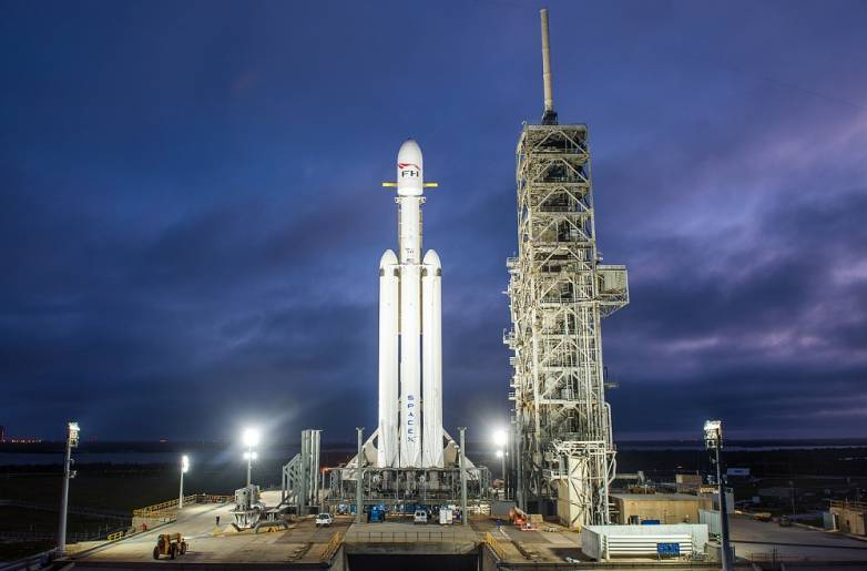 falcon heavy launch 2019