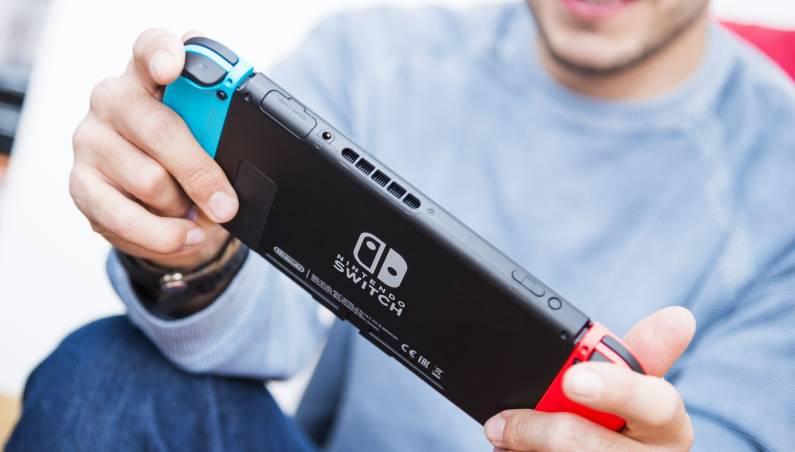 Nintendo Switch vs. PS4 Fortnite