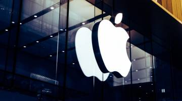France Google Apple developer contracts