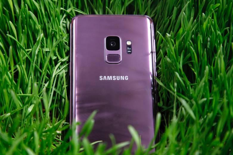 Galaxy S9 pre-order deals vs iPhone X