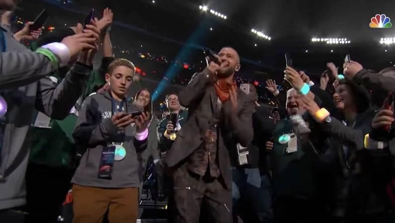 Justin Timberlake Kid Selfie