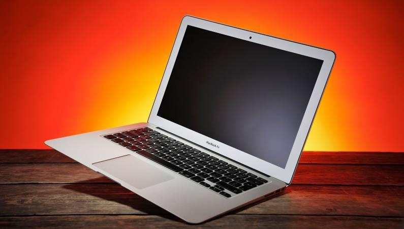 MacBook Air: Best Buy deal