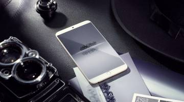 Meizu 15 Vs iPhone X