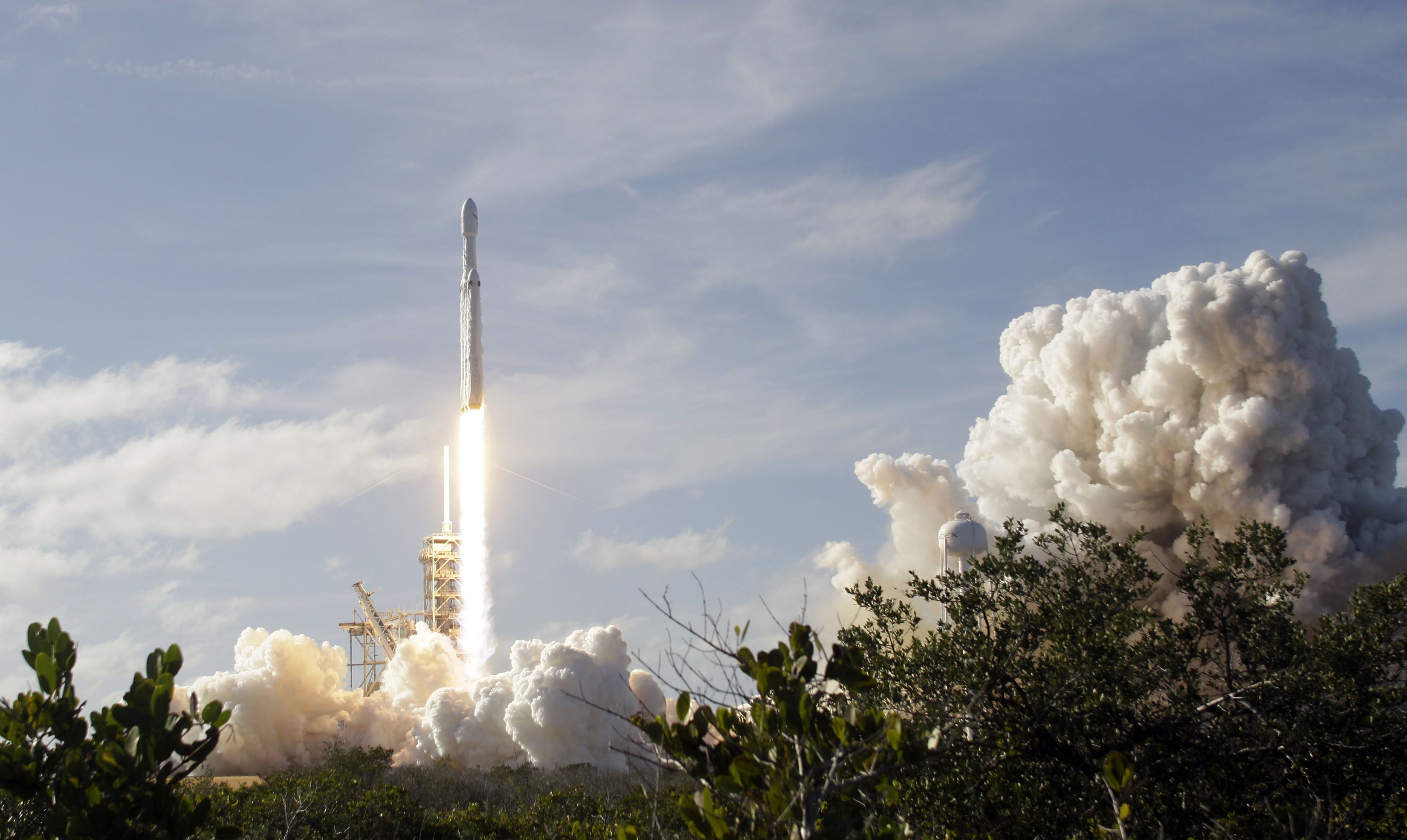 Falcon 9 landing leg breaks free, slams into the deck of the company's droneship
