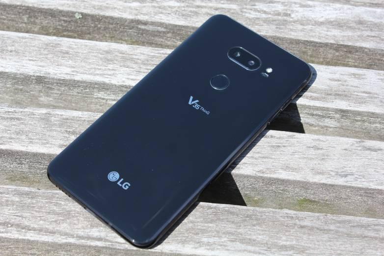 LG V40 five cameras