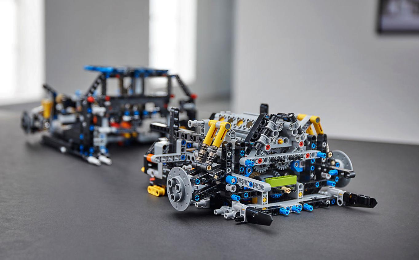 Lego S 2018 Bugatti Chiron Kit Has Functioning Transmission And 16 Cylinder Engine Bgr