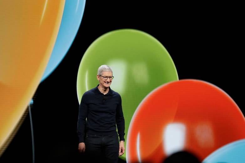 Apple stock $1 trillion valuation