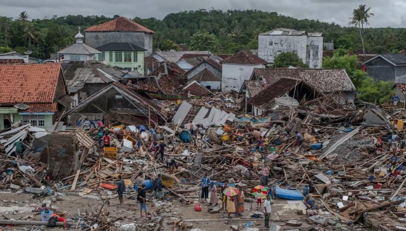 tsunami volcano