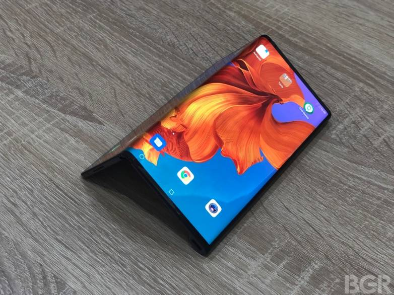 Pixel Foldable Phone vs. Mate X