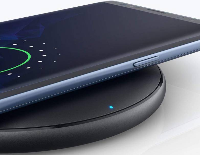 Fast Wireless Charger For iPhone XR