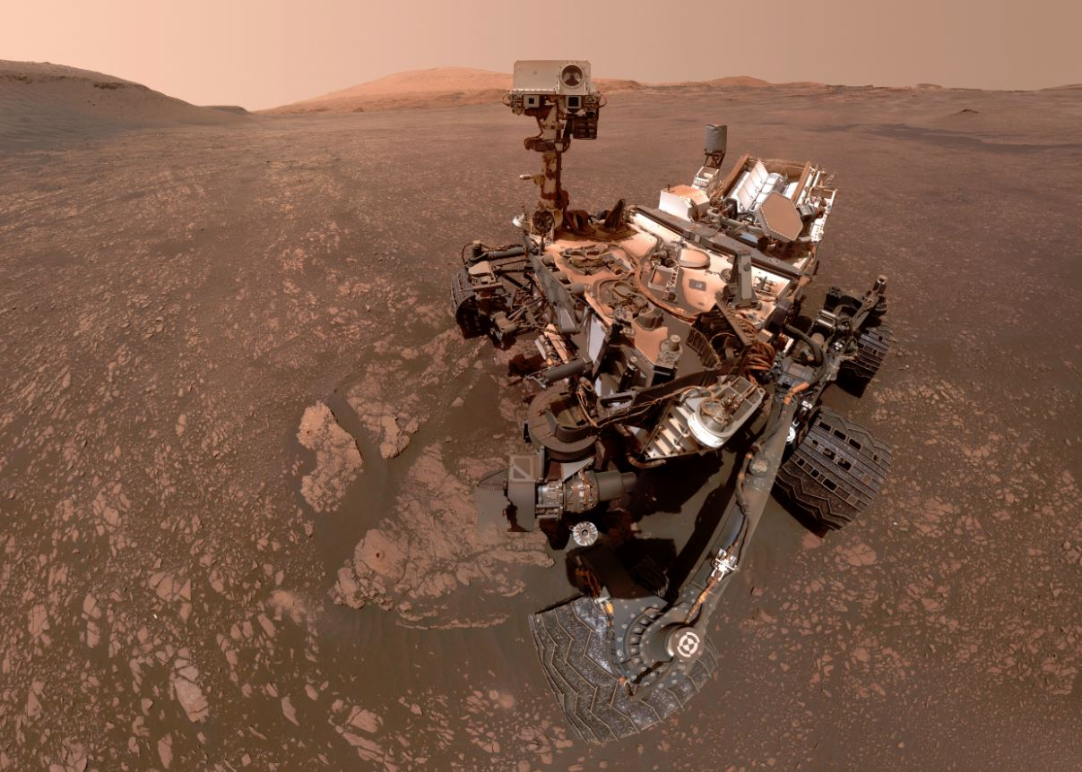 NASA's Curiosity rover is on a road trip
