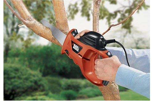 Best Handsaw to Use in the Yard