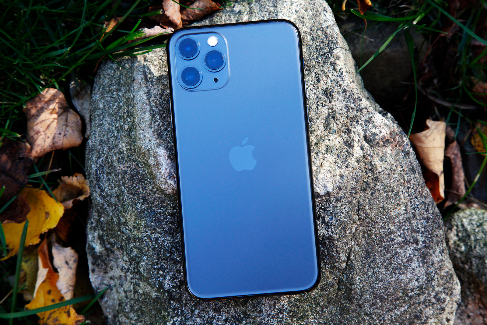 The Best Black Friday Deals On Apple S Iphone 11 And 11 Pro Bgr