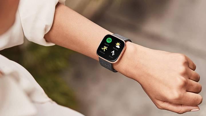 Fitbit Versa 2 Smartwatch Sale