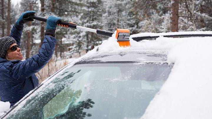 Best Ice Scraper and Snow Brush to Thaw You Out