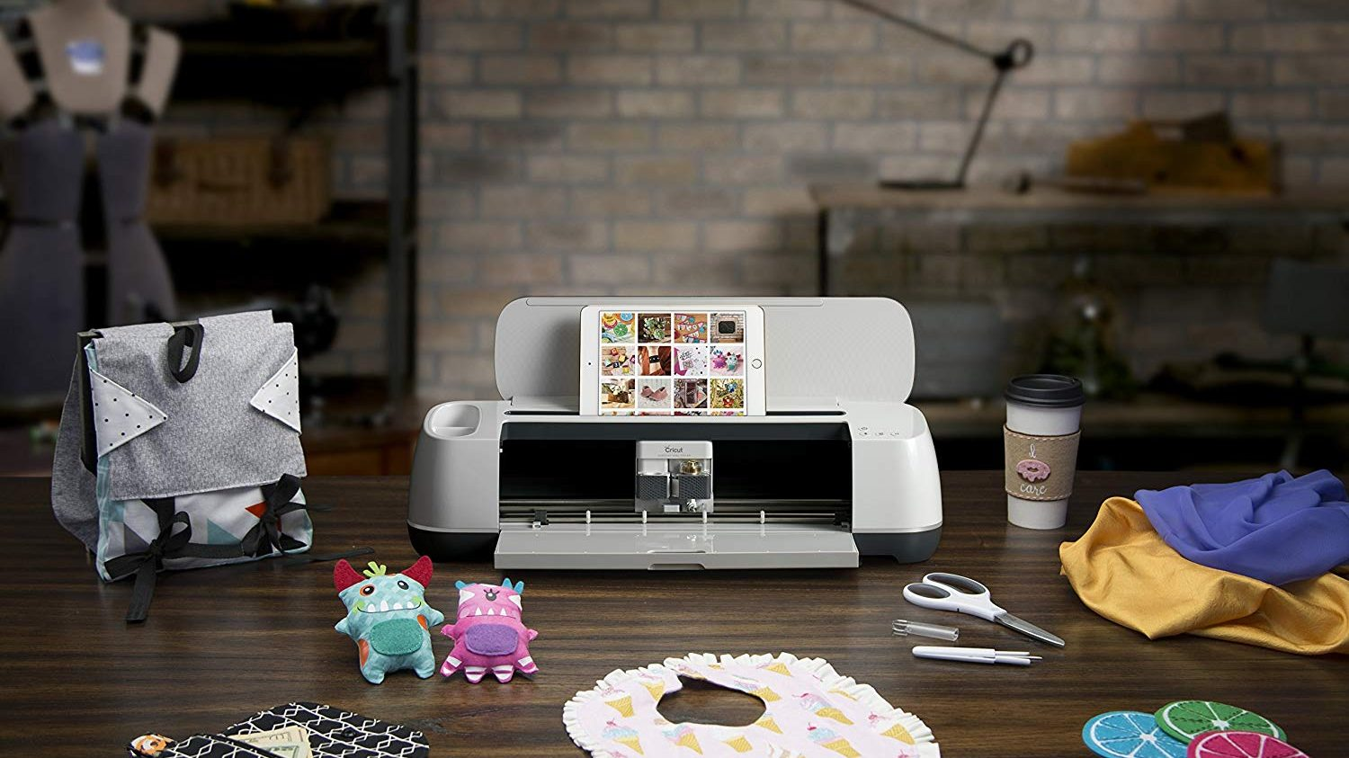 Best Cutting Machine for All of Your Arts and Crafts Projects