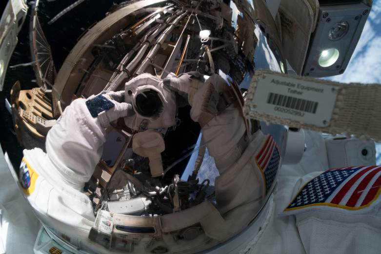 spacewalk live stream