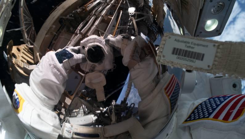 spacewalk live stream