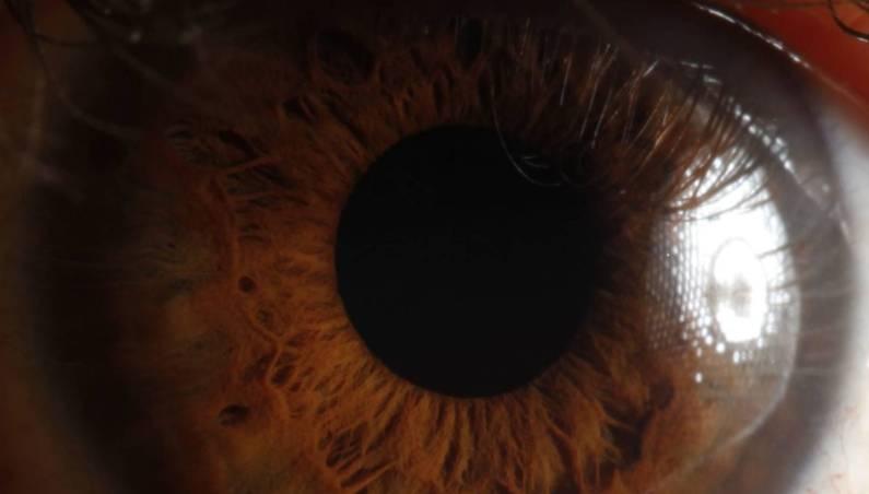 red light eye treatment