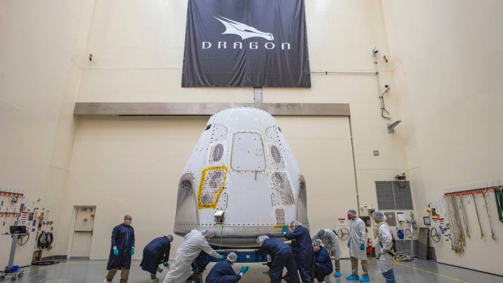 crew dragon manned launch