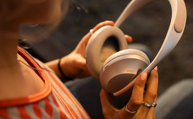 Bose Wireless Noise Cancelling Headphones Deal