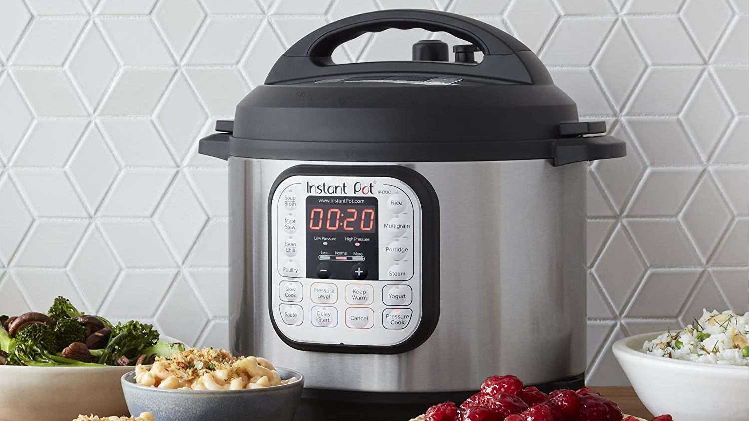 Amazon's #1 best-selling Instant Pot has 140k 5-star testimonials -- and it's only $59.99 now thumbnail
