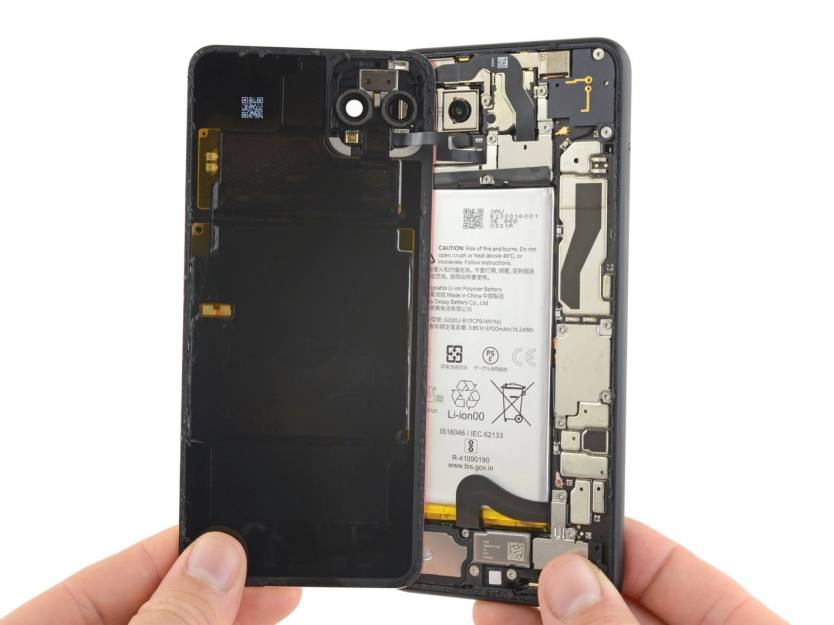 Pixel 4 XL teardown.