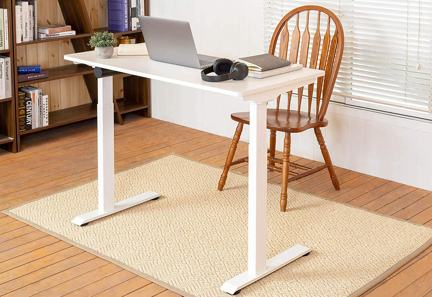 Black Friday deal gets you an top-rated electric standing desk for just $219