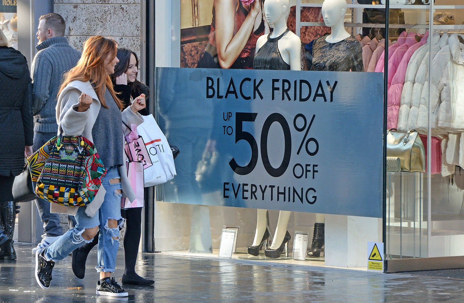 Today S Best Black Friday Deals 179 Roomba 24 Roku Sonos Sale 7 Smart Plugs 144 Amazon Device Deals More Bgr