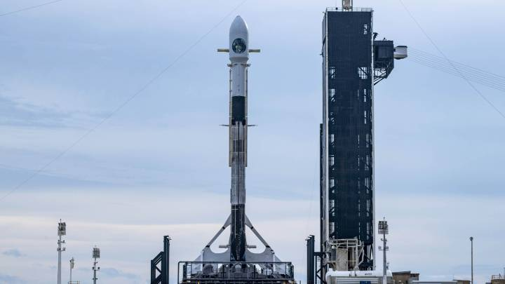 spacex satellite record