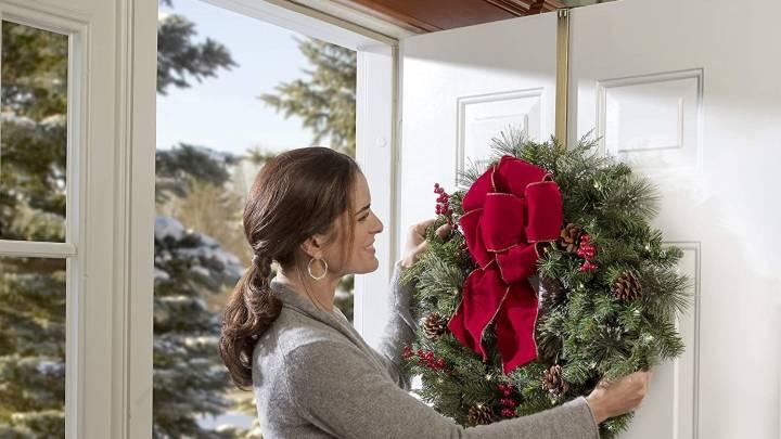 Top Hangers for Wreaths