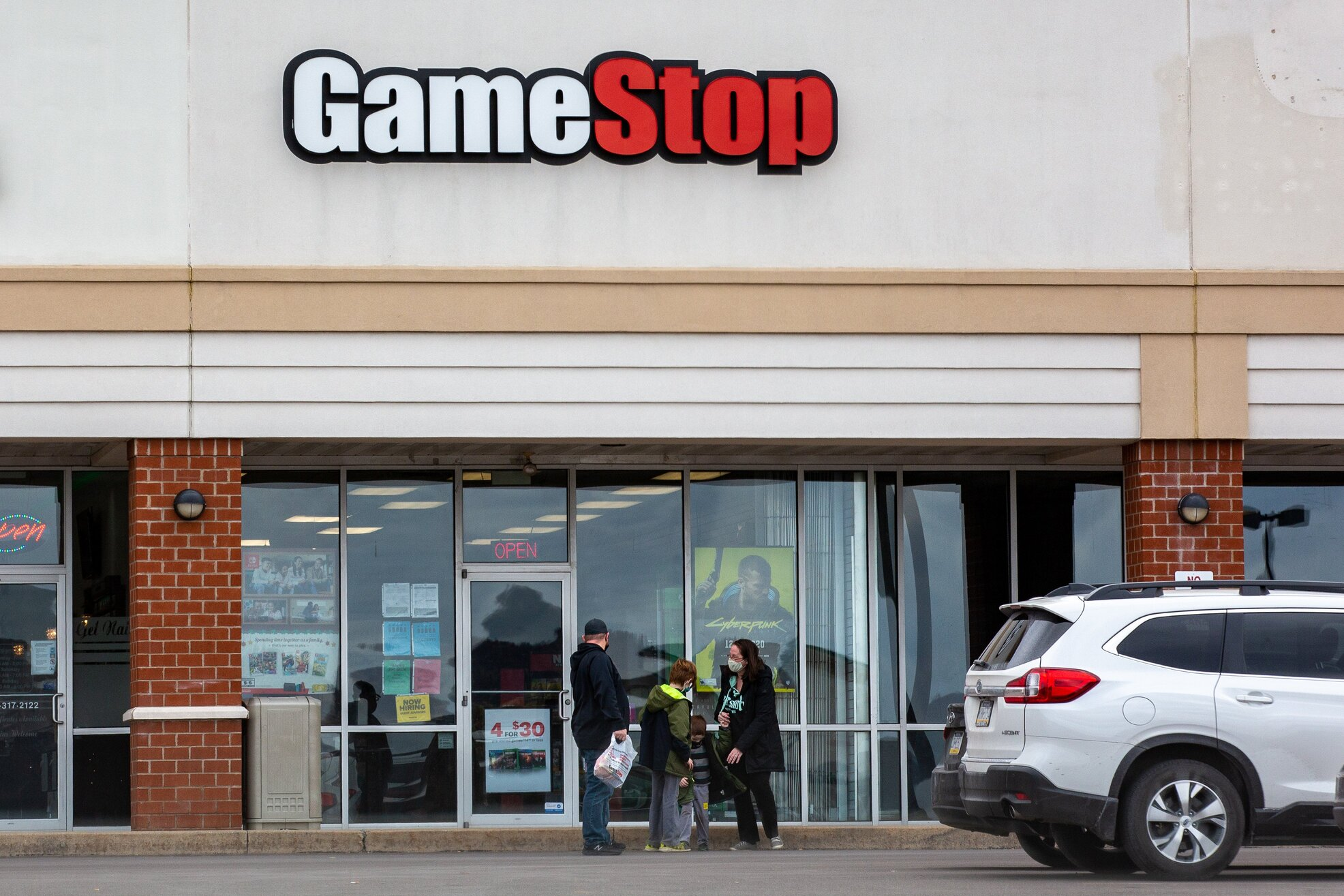 The GameStop and Reddit saga is now the subject of a federal investigation thumbnail