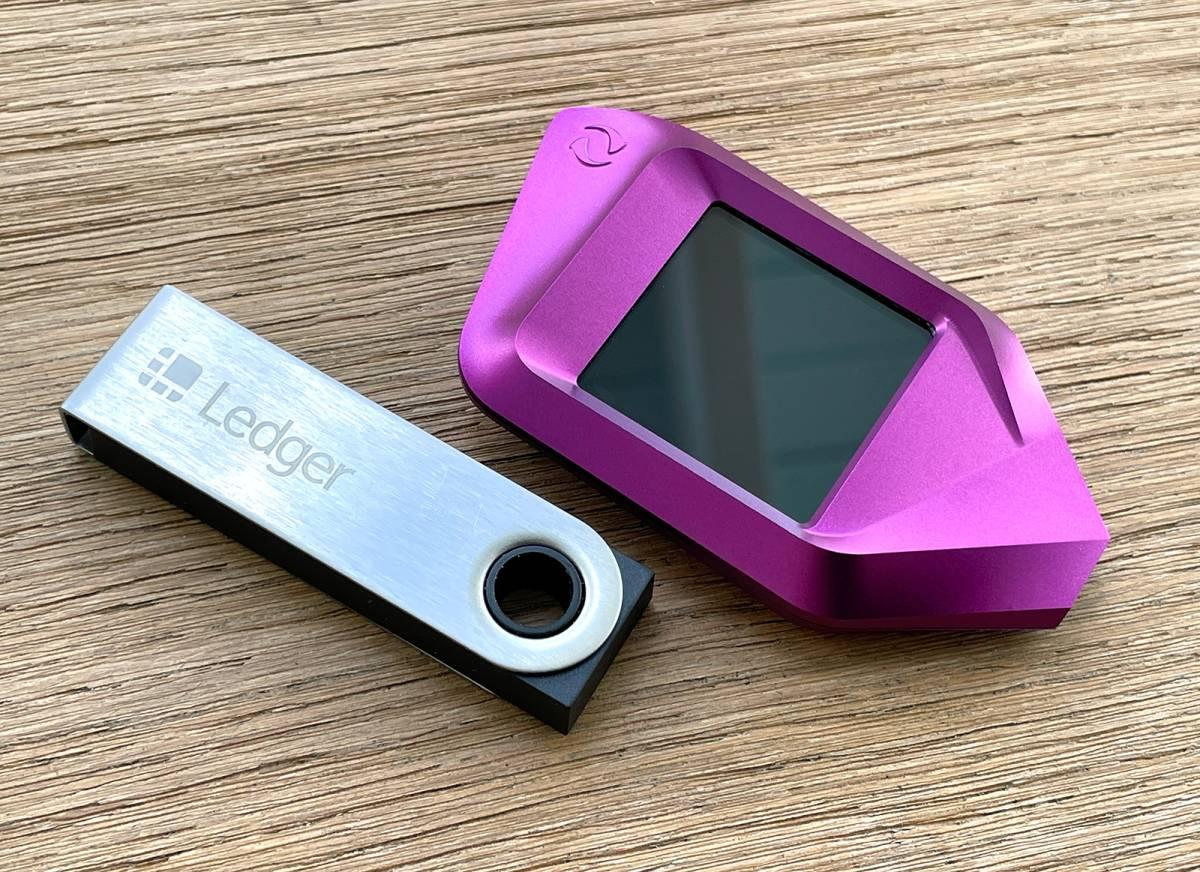 Hardware Wallet Trezor Vs Ledger