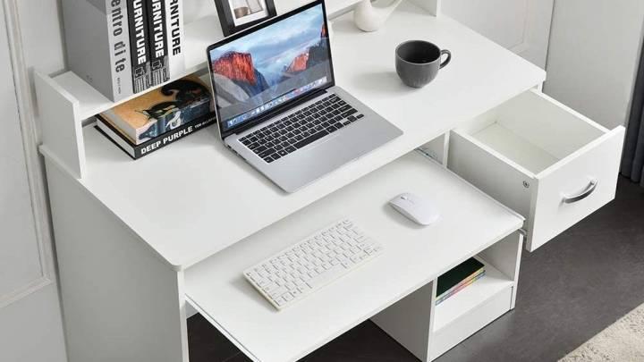 Top desks with hidden trays